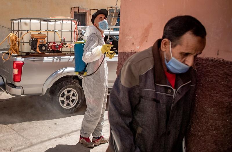 """حالات كورونا الحرجة تستمر في الإرتفاع.. و""""الصحة"""" تدعو المغاربة لمزيد من الحذر"""