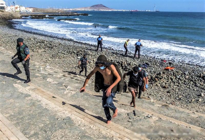 """تقرير. أزيد من 11 ألف """"حرّاك"""" جزائري وصلوا إلى إسبانيا سنة 2020"""