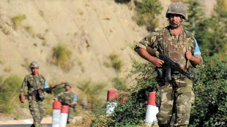 مصدر عسكري ينفي اقتحام عناصر الجيش الجزائري لمناطق مغربية بفكيك
