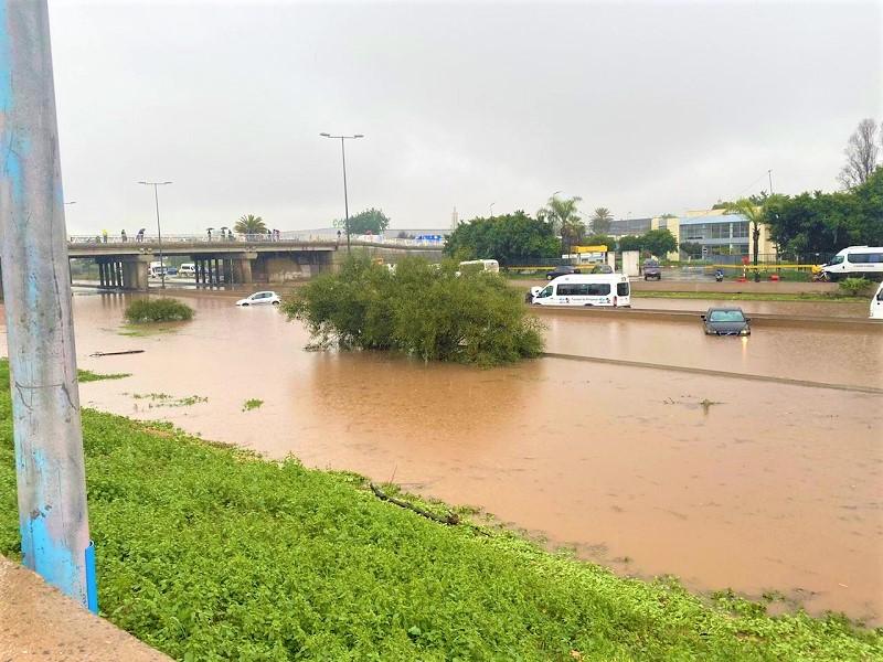 (فيديو) لليوم الثاني، مياه 'أمطار الخير' تغرق كازا وتفضح زيف شعارات التنمية