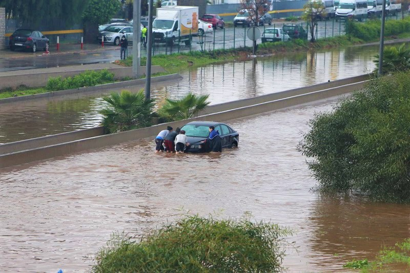 """الداخلية تستنفر مصالحها لتدارس إجراءات عدم تكرار آثار فيضانات """"كازا"""" مستقبلاً !"""