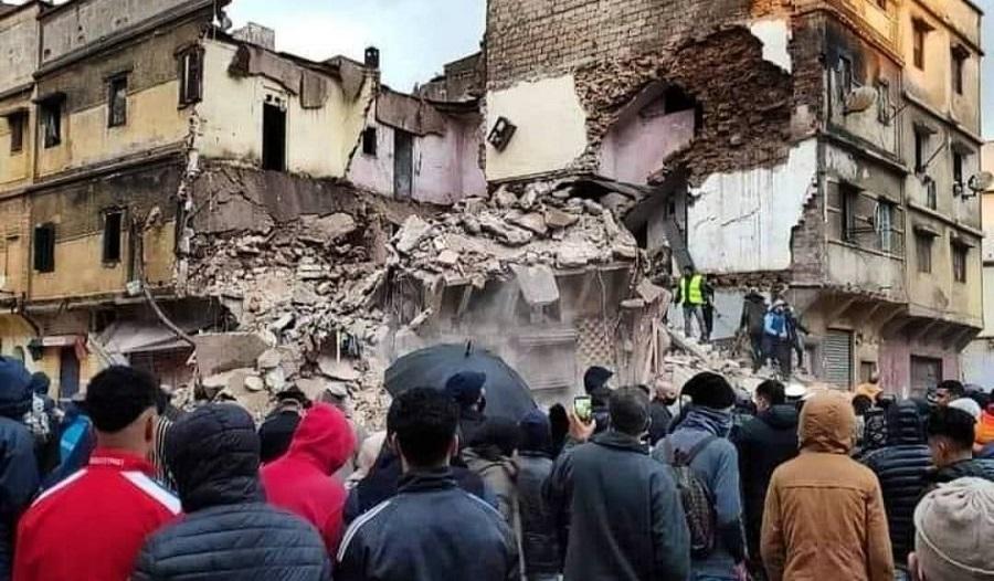 الدار البيضاء. انهيار منزل بالحي المحمدي وأنباء عن ضحايا تحت الأنقاض