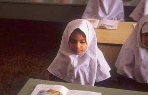 عصيد: يجب إلغاء تحجيب الصغيرات من الإسلام للقضاء على اغتصاب الأطفال
