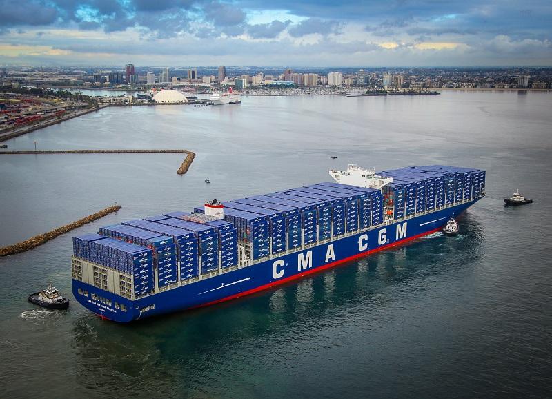 ميناء طنجة المتوسط يستقبل أكبر باخرة شحن حاويات في العالم
