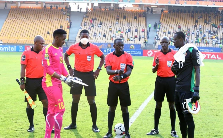 """نهائي """"الشان"""".. الكيني """"بيتر واوري"""" يقود مباراة المنتخب المغربي ضد مالي"""
