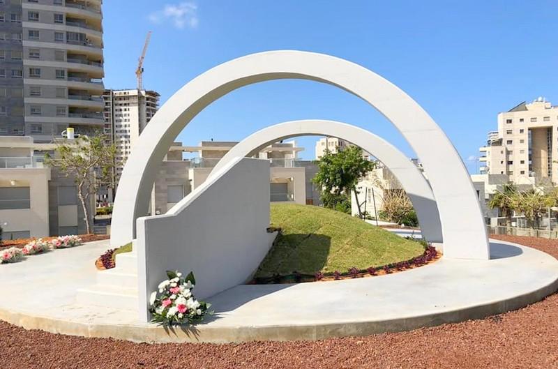 تكريماً لآلاف الضحايا بينهم 1500 يهودي مغربي.. نصب تذكاري بـ'أسدود' الإسرائيلية يخلد زلزال أكادير