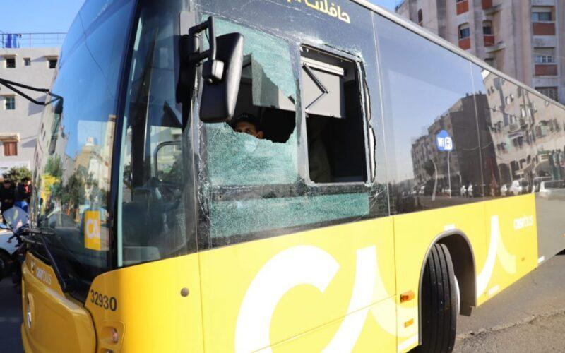 """ثالث حادث على التوالي.. توقيف شاب كسر زجاج حافلة """"ألزا"""" الجديدة بكازا"""