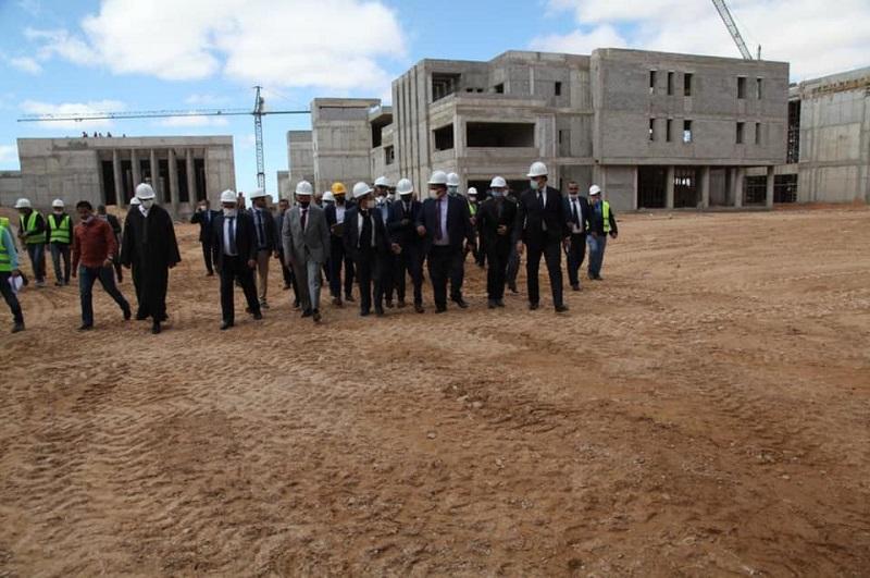 أمزازي: كلية الطب والصيدلة بالعيون ستفتح أبوابها خلال الدخول الجامعي المقبل