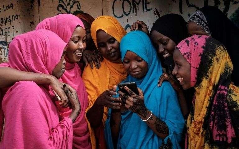 في يومهن العالمي.. النساء والفتيات أول ضحايا النزاعات والأزمات في إفريقيا