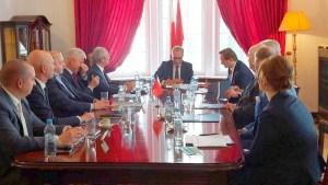 كبار رجال الأعمال البولونيين يعلنون الاستثمار في قطاعات اقتصادية بالمغرب