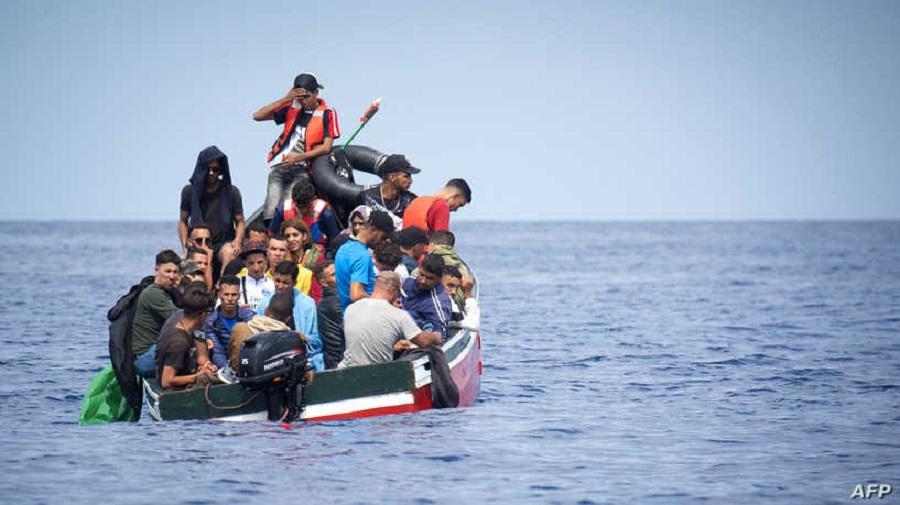 توقيف 20 شخصاً يهربون مهاجرين عبر زوارق من المغرب إلى إسبانيا