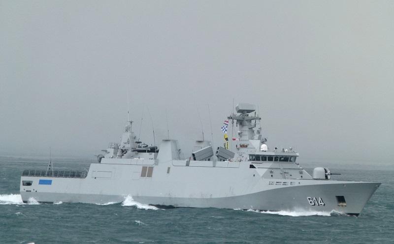 البحرية الملكية تنقذ مهاجرين في وضع صحي حرج بعرض المتوسط