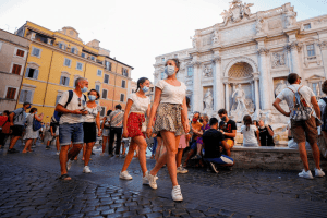 'إيطاليا ستختفي ببطء'.. تراجع مستمر للولادات والهجرة أحد الحلول