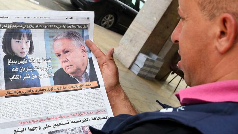 القضاء الفرنسي يبدأ في محاكمة الصحافيين 'لوران' و'غراسييه' بتهمة ابتزاز الملك