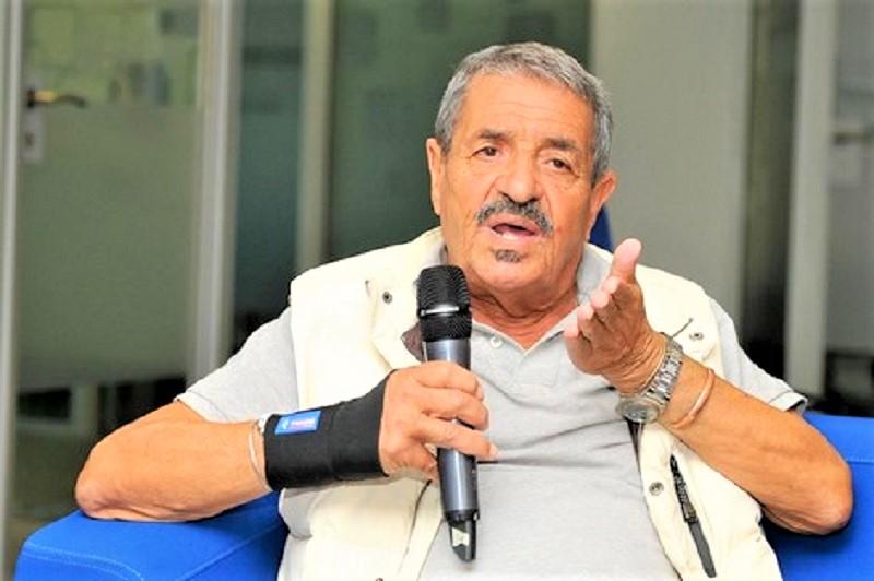 بعد معاناة طويلة مع مرض السرطان.. وفاة الكاتب الصحافي خالد الجامعي