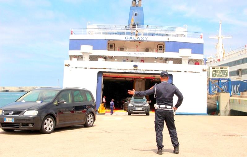 المغرب يبدأ رسميًا خط العبور البحري مع البرتغال.. والموانئ الإسبانية تتكبد خسائر هائلة