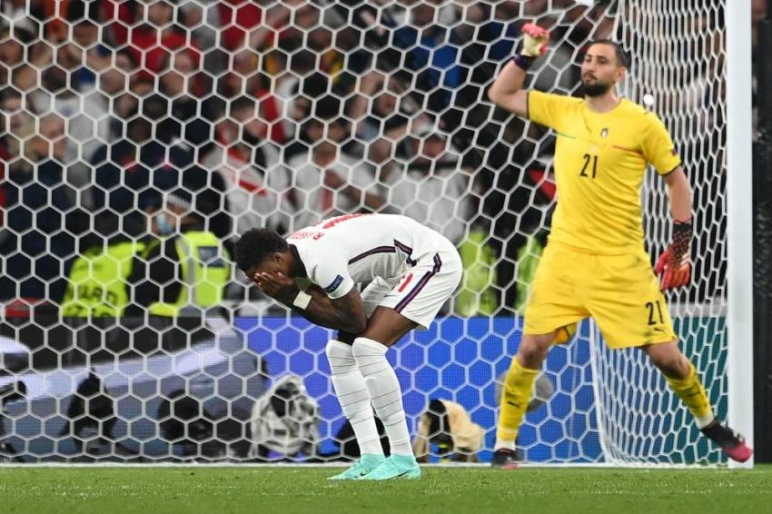 كأس أوروبا   العنصرية تطل برأسها مجدداً لإهانة ثلاثي الاخفاق الإنكليزي