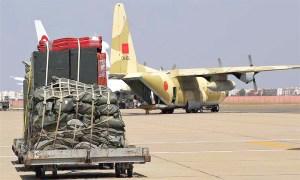 المغرب يواصل إرسال المساعدات لتونس.. طائرة عسكرية سابعة تحط بقرطاج