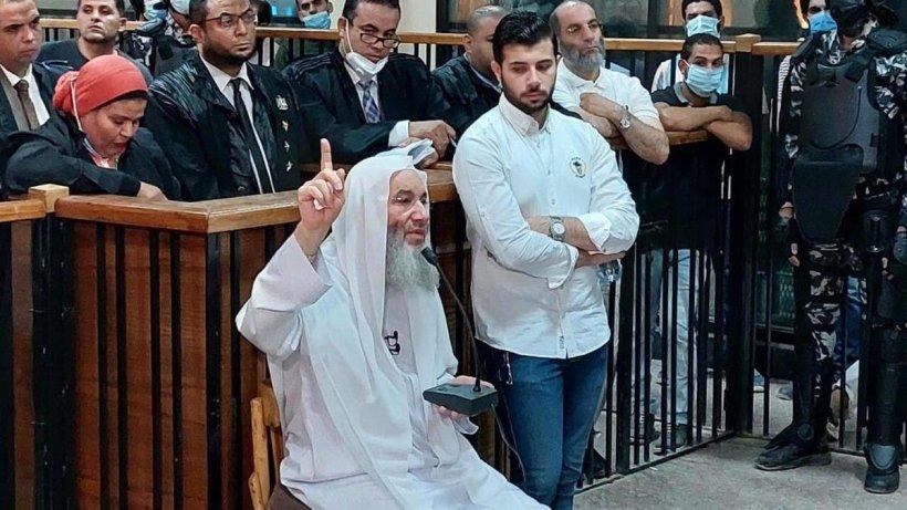 محمد حسان يتبرأ من 'الإخوان': فاشلون في الحكم.. ولما اصطدموا مع الدولة رفعوا 'الشرعية أو الدماء'