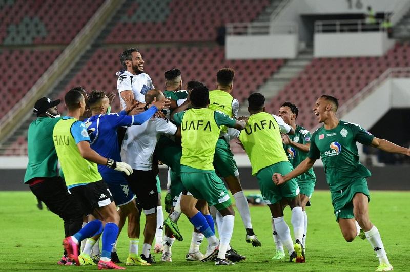 كأس محمد السادس | في مباراة هستيرية.. الرجاء يتوج بطلاً على حساب اتحاد جدة السعودي