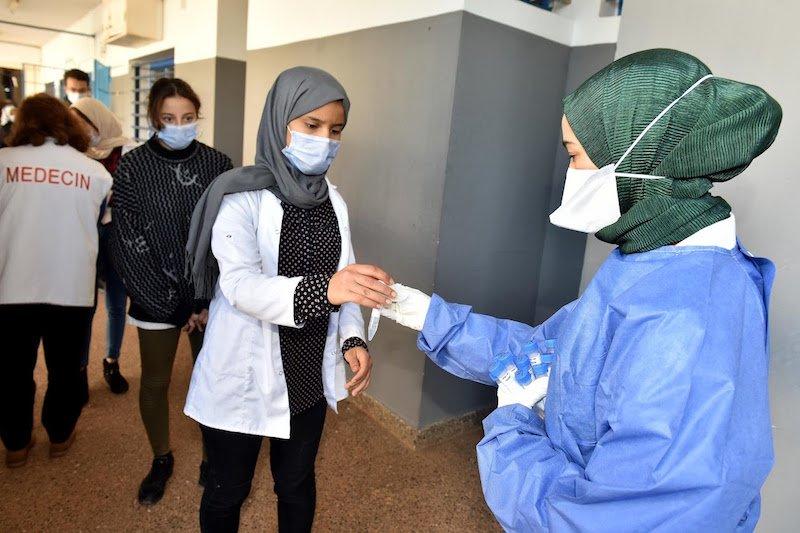 عدد التلاميذ الملقحين بالمغرب يتجاوز المليون.. والسلطات ترفع عدد المراكز إلى 700