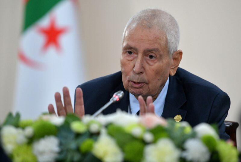وفاة الرئيس الجزائري السابق عبد القادر بن صالح عن عمر ناهز 79 عاما
