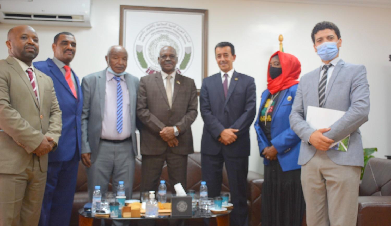 وزير المعادن السوداني يزور المملكة المغربية ويلتقي مسؤولين مغاربة والمدير العام للمنظمة