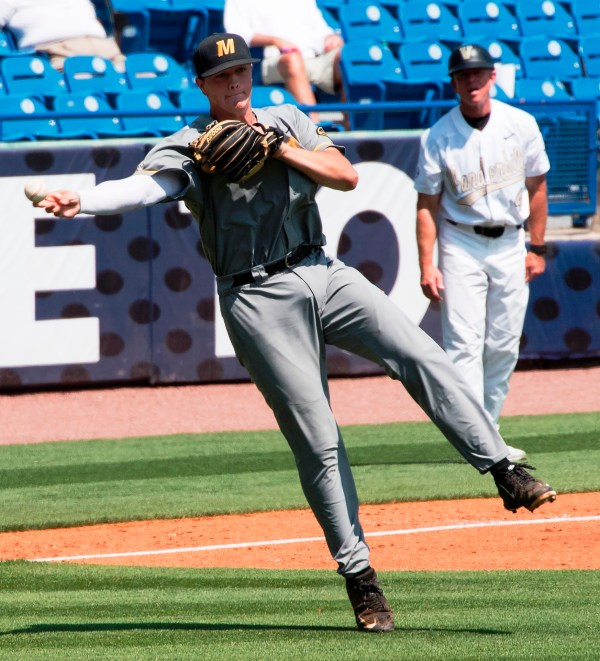 Sec Baseball Tournament Fits Hoover Met -worn