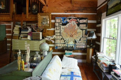 Butch Anthony's living room in Seale. (Anne Kristoff/Alabama NewsCenter)