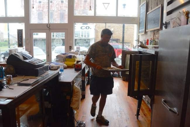 Seaborn Whatley makes a pie in Pie Lab. (Karim Shamsi-Basha / Alabama NewsCenter)