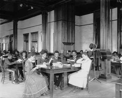 Interior view of library reading room at the Tuskegee Institute, c. 1902. (Photograph by Frances Benjamin Johnston, Library of Congress Prints and Photographs Division)