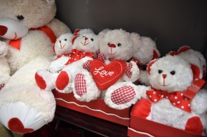 The National Retail Federation predicts Americans will spend a near-record $19.6 billion on Valentine's Day this year. (Melissa Johnson Warnke / Alabama Retail Association)