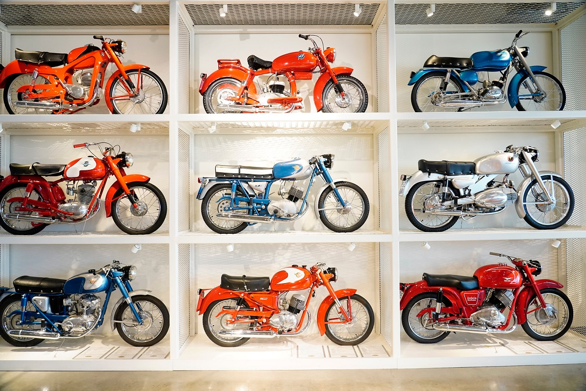 Barber motorcycle restorers are Alabama Makers crafting art