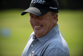 PGA vet Fred Funk shares a chuckle with the students at the Alabama Power Junior Clinic. (Chris Jones/Alabama NewsCenter)