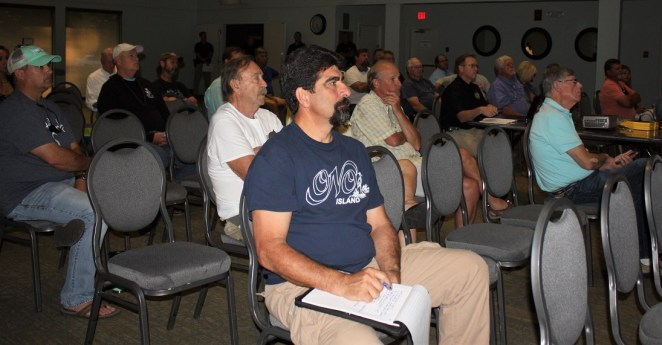 Alabama anglers get a briefing on this year's red snapper fishing rules. (Robert DeWitt/Alabama NewsCenter)