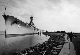 The battleship Alabama (BB-60) and the submarine Drum (SS-228) are tied up at Battleship USS Alabama Memorial Park, where they are permanent exhibits. (National Archives, Naval History and Heritage Command)
