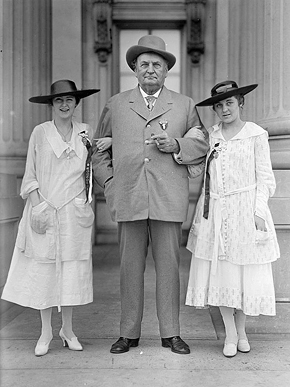 Alabama Senator John Hollis Bankhead poses with granddaughters Tallulah, left, and Eugenia in Washington, D.C., during a Confederate veterans reunion in 1917. (From Encyclopedia of Alabama, courtesy of the Library of Congress)