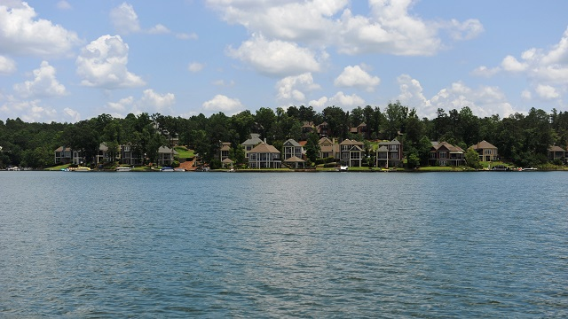 Lake Martin waterfront homes selling faster on average than a year ago