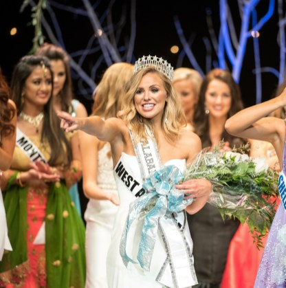Hannah Brown celebrates her victory as Miss Alabama USA. (file)