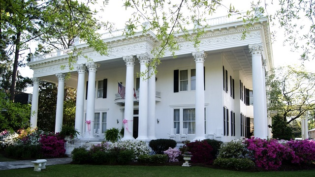 Antebellum Alabama is on display in Eufaula for annual Pilgrimage this weekend