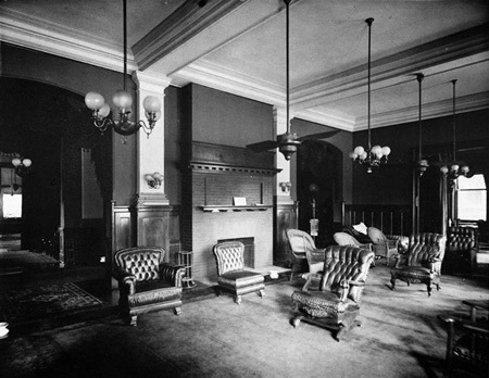 Interior of the Southern Club, published in Art Work of Birmingham, 1907. (Bhamwiki)