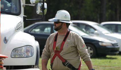 Lineman Heith Hase has been an Alabama Power employee for 12 years. (Joe Allen/Alabama NewsCenter)