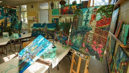 Ginger Woechan is an art teacher at the Lavretta Park Art Center in Mobile. (Dennis Washington / Alabama NewsCenter)