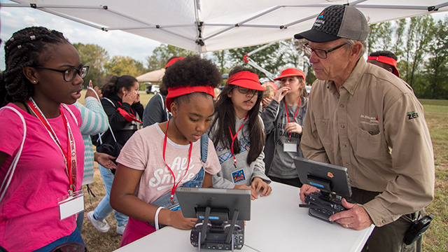 Alabama careers fair connects kids with innovation