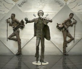 Sculpture of Eddie Kendrick with the Temptations at Eddie Kendrick Memorial Park. The sculpture was created by Ron McDowell and dedicated Oct. 16, 1999. (Dystopos, Bhamwiki)