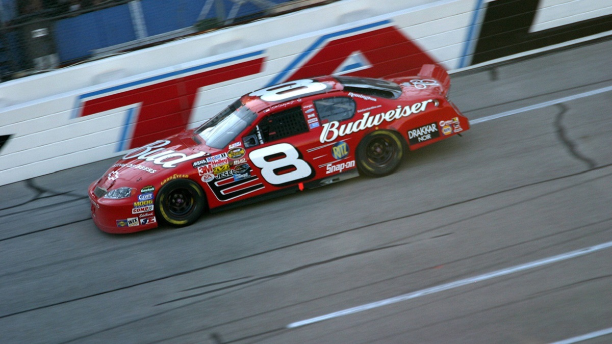 Unlikely pair Earnhardt Jr., Gordon dominate Talladega Superspeedway in the 2000s