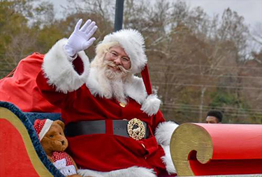 Christmas on the Coosa will feature a parade, wakeboarding show, arts and crafts vendors, food vendors and a skiing Santa. (contributed)