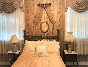 The Rose Room reminds one of fragrant blooms. (Donna Cope/Alabama NewsCenter)