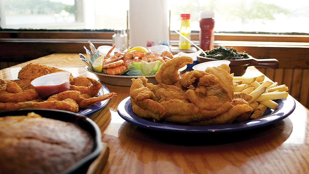 Catfish, seafood top the menu at Alabama's Top O' The River