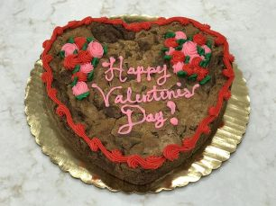 Davis' Valentine's Day cookie cake is sure to please. (Mike Tomberlin/Alabama NewsCenter)